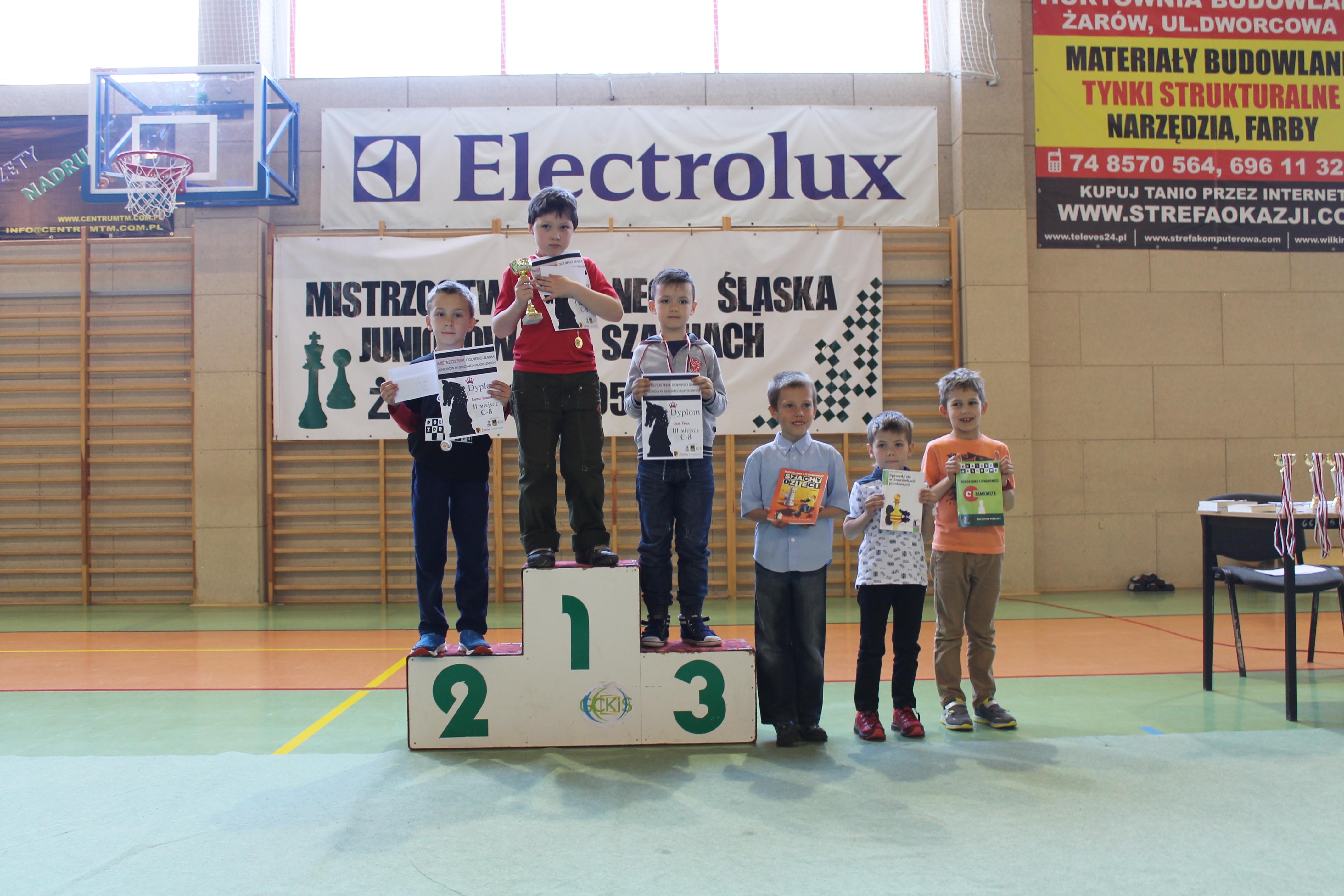 Dobry występ świdniczan na Mistrzostwach Dolnego Śląska Juniorów w Szachach Szybkich, Żarów, 09-10.05.2015