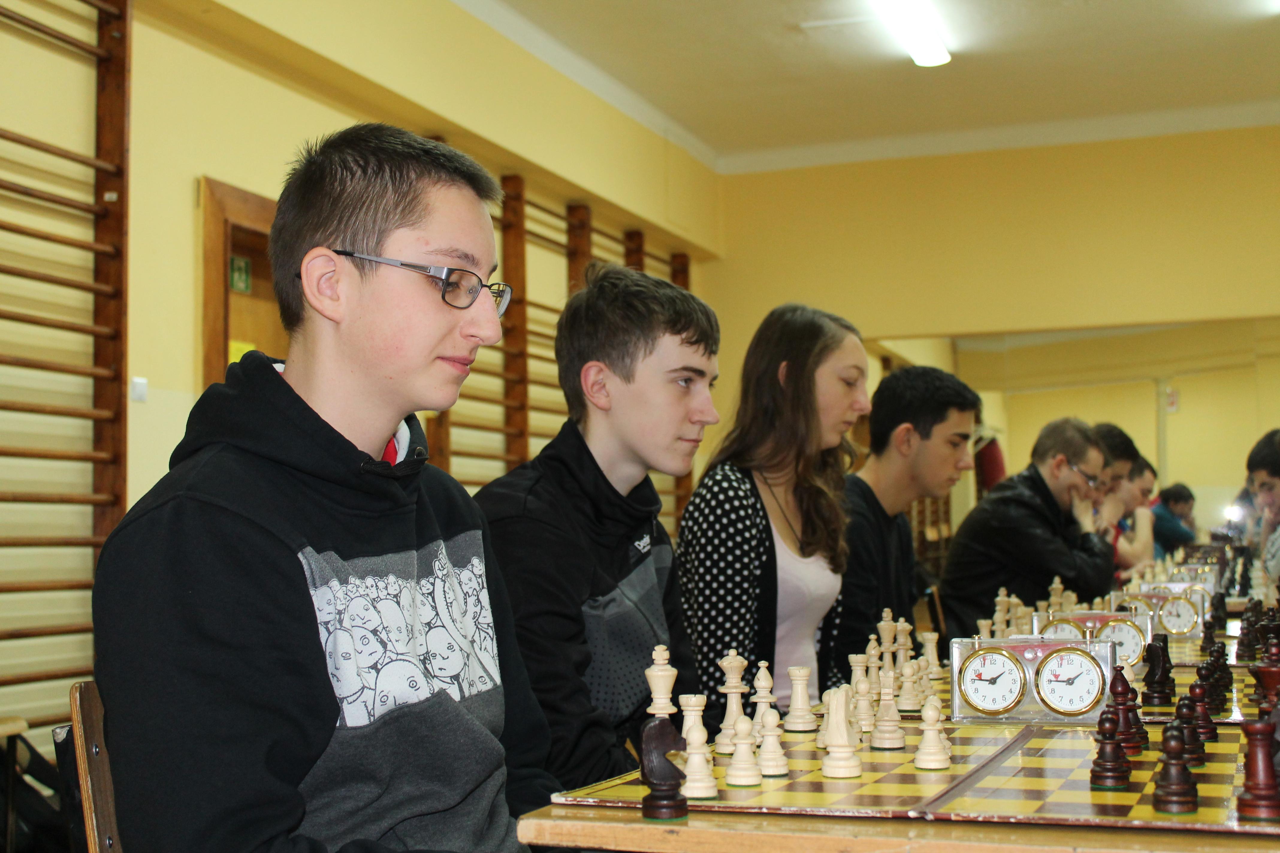 Mistrzostwa I Liceum Ogólnokształcącego w Szachach, Świdnica, 03.12.2013